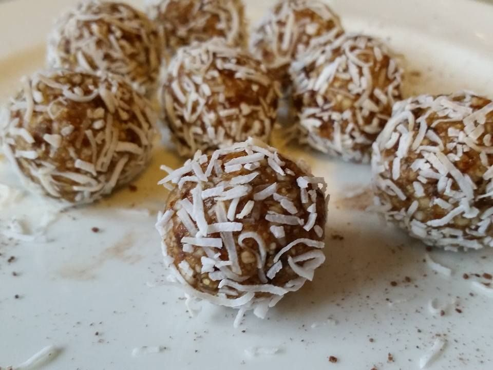 Hint of Lemon Energy Balls - Raw Vegan