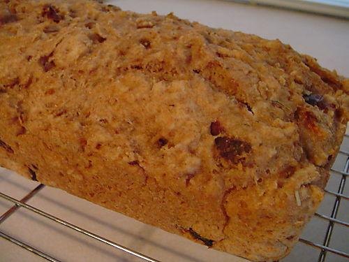 Roasted garlic and sundried tomato beer bread