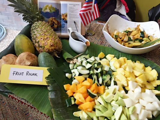 Mixed Fruits and Vegetables Rojak (Malaysian)