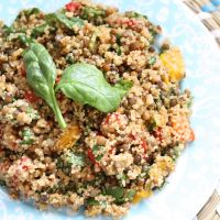 QUINOA SALAD WITH GRAPES & ROASTED CASHEWS