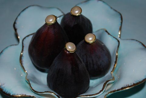 fresh off the fig tree! nope, the pearls don't come with it...