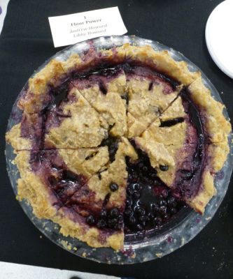 Blueberry pie with (mostly) whole wheat crust by Andy Howard