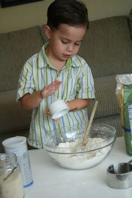 Toddler Baking! No Knead Bread