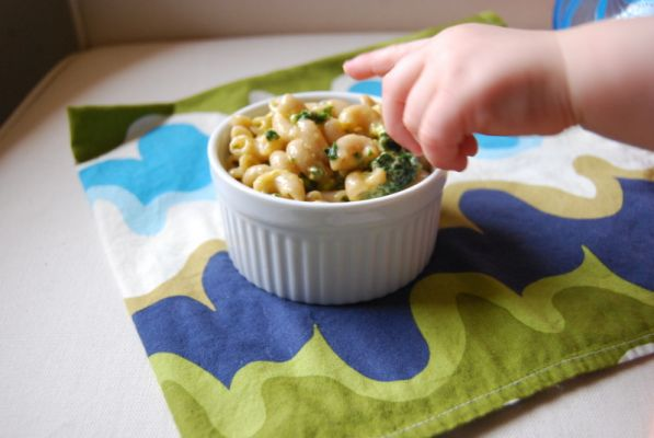 Whole Wheat Macaroni and Cheese with Kale