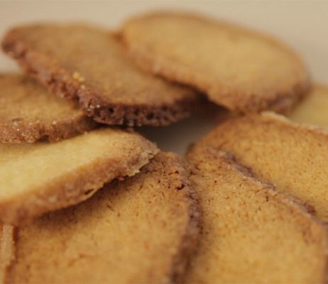 Cinnamon biscotti with sea salt