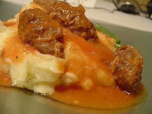 Soutzoukakia (Greek meatballs in tomato sauce)