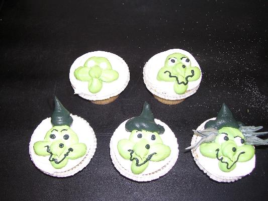 finishing witch cupcakes