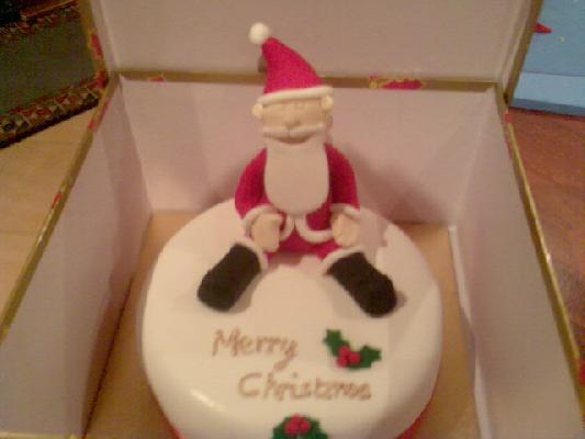 Christmas cake... Santa made with RTR