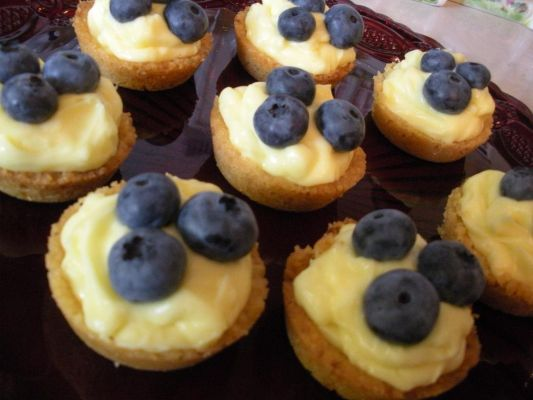 Blueberry-Topped Creamy Lemon Mini-Tarts