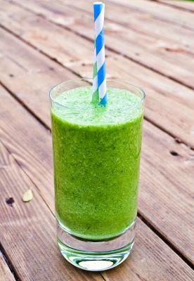 Cole Avenue Kale Pineapple Smoothie (Recipe from a Teenager)
