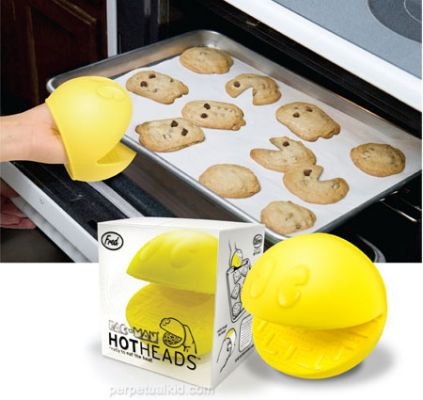 Pac-Man Oven Mitt - http://www.perpetualkid.com/index.asp?PageAction=VIEWPROD&ProdID=3019&dc=bake