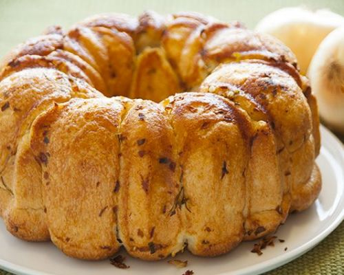 Buttery Onion Pull-Apart