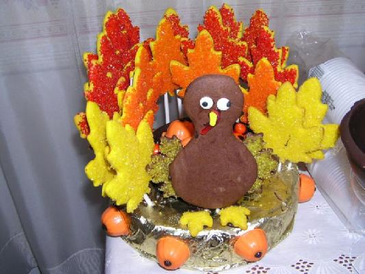 Thanksgiving 2006 Wilton Yearbook Sugar Cookie & Chocolate Turkey Centerpiece