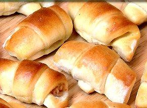 pierdega (stuffed cresant rolls-a Latvian recipe)