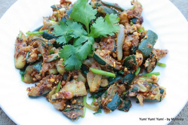 Zucchini Stir-Fry ( with Garlic Spices)