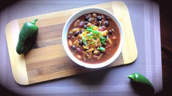 Hearty Tomato Bean Chili