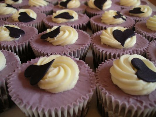Chai Chocolate Cupcakes with Violet Advocaat Buttercream Frosting and hand-cut Sugar Hearts