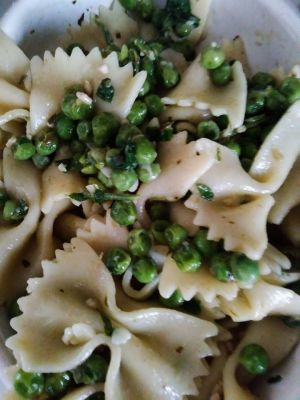 Farfalle Pasta with Pea and Parsley Pesto Recipe - BakeSpace