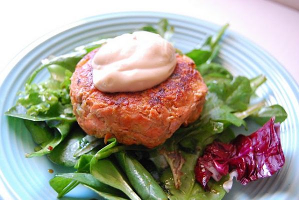 Asian Salmon Cakes with Soy Mayo
