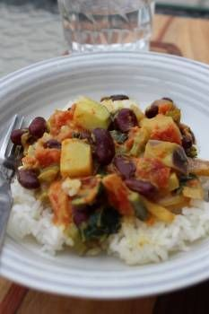 Curri au coconut, chou-rave et haricots rouges