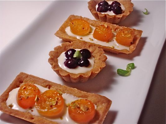 Blueberry and Kumquat Cream Cheese Tarts with a Graham Cracker Crust