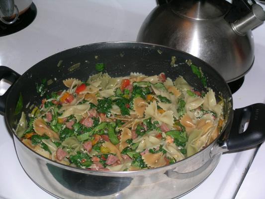 Pasta with Spinach and Smoked Sausage