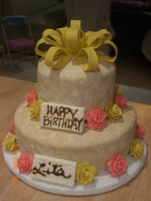 Lemon cake with French Vanilla Buttercream and Fondant