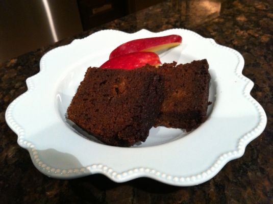 Jennifer Cafferty & GFree Life's Gluten Free Apple Spiced Loaf Cake