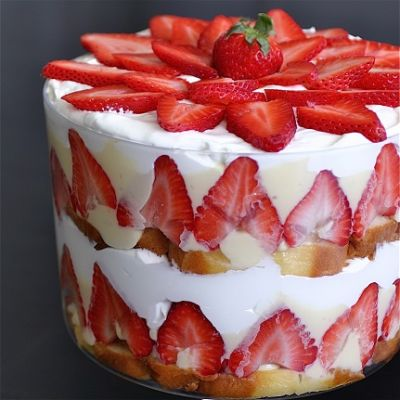 Alli D's Strawberry Trifle, modified from Debra D.