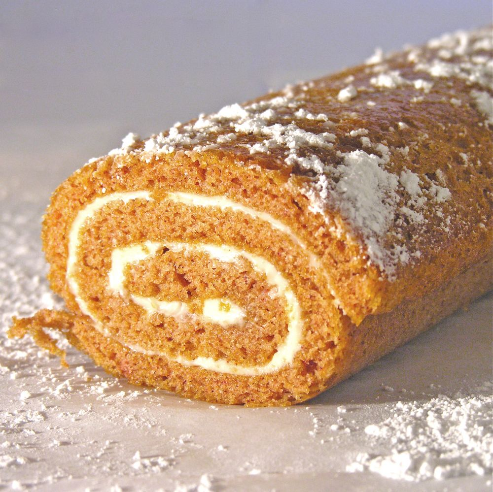 Nana's Pumpkin Roll
