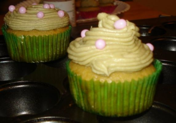Green Tea Cupcakes with Green Tea Buttercream