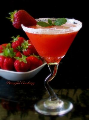 Strawberry Pink Lemonade Margarita