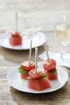Pinchos of cherry tomato and watermelon