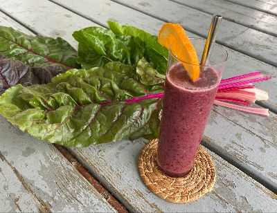 Swiss chard, Berries and Orange Smoothie