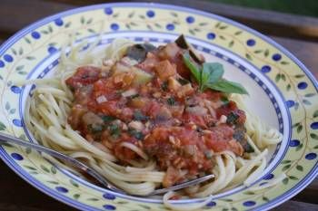 Gen's Quick, Fresh and Delicious Tomato Sauce