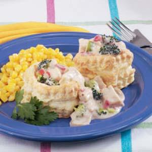 Creamed Chicken in Pastry Shells