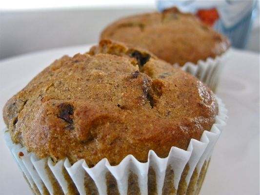 Allergy-Friendly Vegan Apple Cinnamon & Raisin Muffins