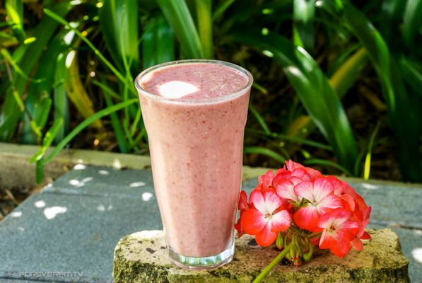 raspberry-coconut-smoothie