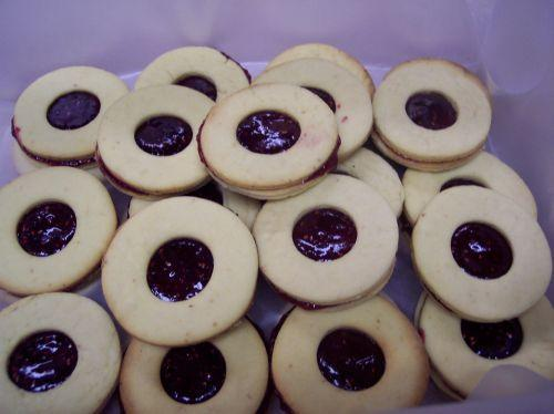 Raspberry Filled Cookies