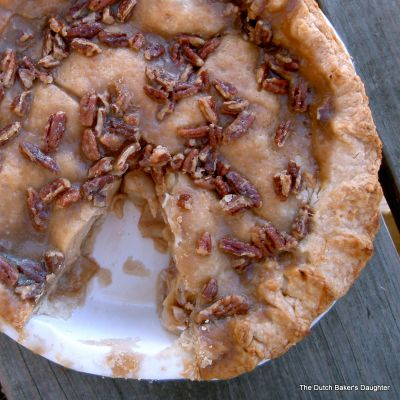 Apple-Praline Pie on BakeSpace.com