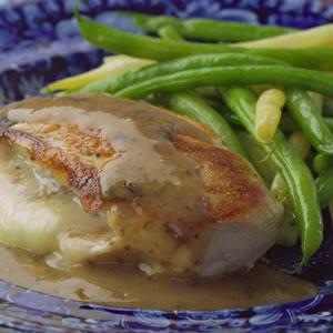 CHICKEN STUFFED WITH ONIONS AND FONTINA