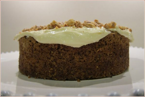 Low GL Carrot and Walnut Cake