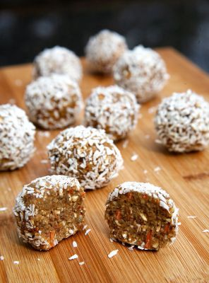 Training Snax- Protein Carrot Cake Balls!