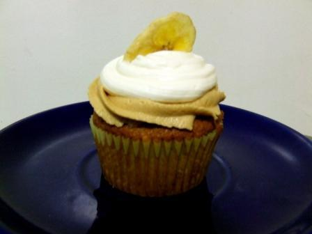 Banana Cupcake Recipe with Marshmallow and Peanut Butter Frosting