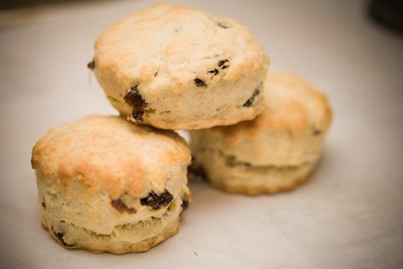 English raisin scones