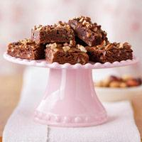 CARMEL-NUT BROWNIES