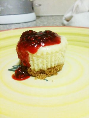 White Chocolate Cheese Cake Cupcakes with Raspberry Coulis