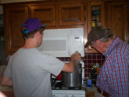 Cooking up the Classic Crab and Shrimp Boil with Grandpa Elledge