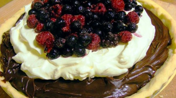 Choc Ganache with Cream and Fruit Tart