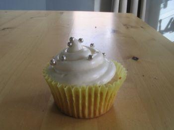 Vanilla Bean Frosted Cupcakes